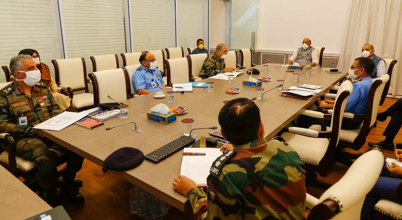 Rajnath Singh reviews work of Armed Forces Medical Services to contain COVID-19