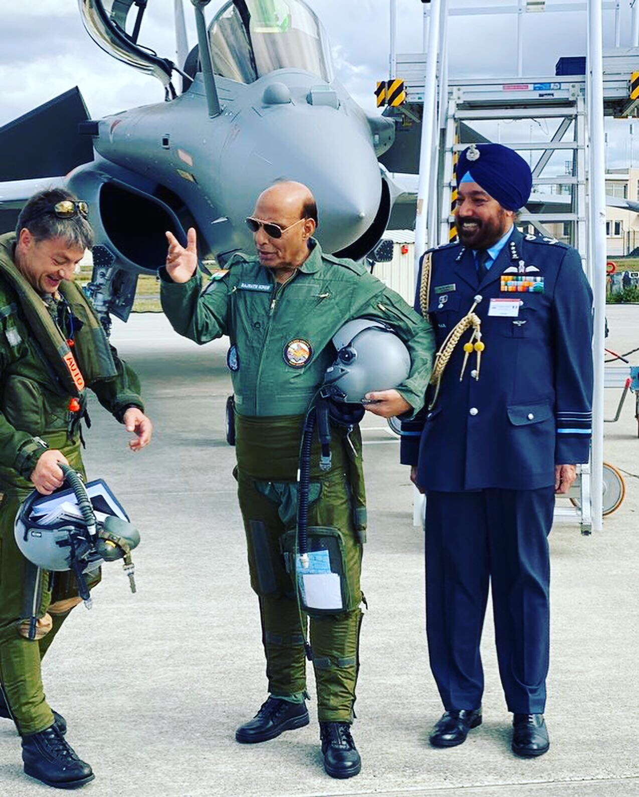 Rajnath becomes 1st Indian minister to fly in Rafale fighter jet