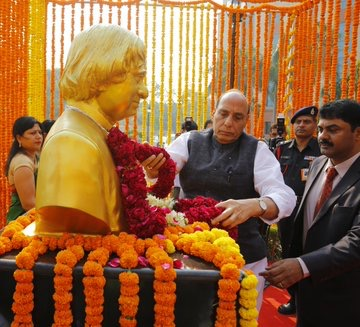 Rajnath, NSA, Services Chiefs pay tribute to former president Kalam