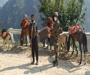 COVID-19: Indian Army provides foods and medical supply to locals in Kishtwar