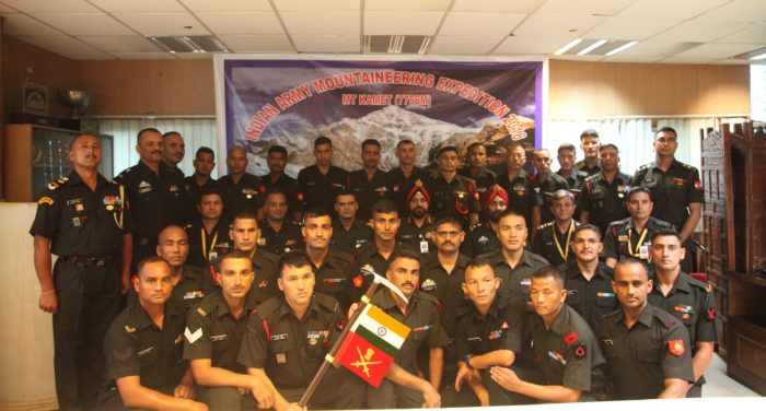 Indian Army personnel on expedition to Mount Kamet
