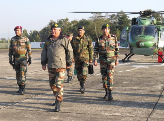 Army Chief reviews operational preparedness of Spear Corps