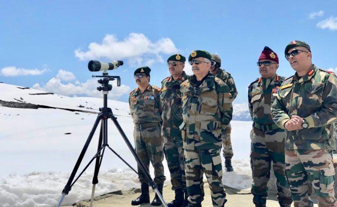 Eastern Army Commander reviews security situation in Arunachal Pradesh