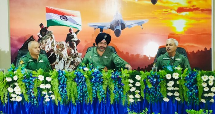 AN-32 to fly until find replacement: IAF Chief