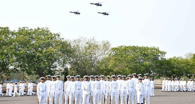 7 Naval helicopter pilots pass out of INS Rajali